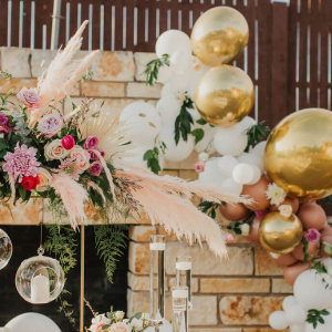 Tall Statement Centerpiece with Pampas Grass - Gold and Gilded Styled Shoot 2020